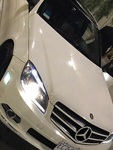 "2009 ""glass top"" c300 Mercedes"
