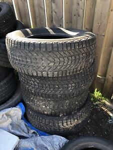 4 winter force tires 265 70 R17