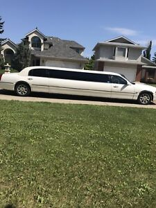 2007 Lincoln Town Car Stretch Limo