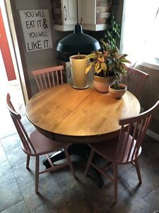 Round Dining Table + Leaves!