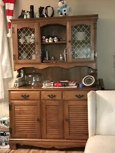 Dining room hutch, cabinet, break front