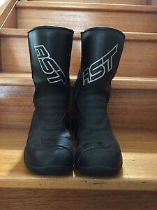 Motorbike boots North Melbourne Melbourne City Preview