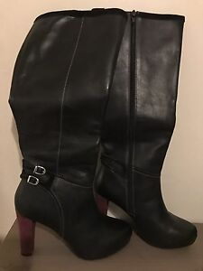 Barely Used Woman Boots
