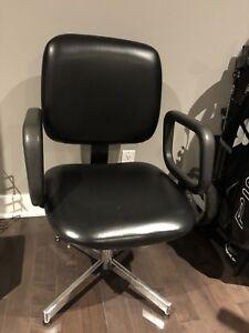 Chaise de technique coiffure