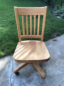 Wooden turnable chair