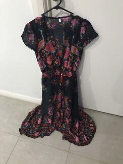 Size 8 summer dress *New