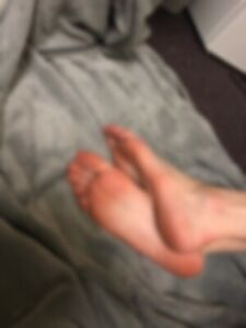 Foot pictures/videos
