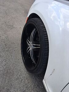 "275/25ZR24 Zenna tires and 24"" Gianna rims almost new"