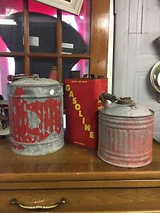 Variety of vintage & antique decor , furniture & more!