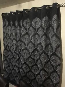 2 panneaux de rideau noir