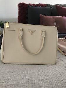 a62b30ff28f09b ... best price prada bags in melbourne region vic bags gumtree australia  free local classifieds a30da 19581