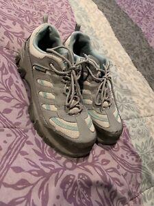 Women's steel toe shoes