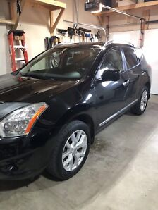 2013 NISSAN ROGUE SL - ONE OWNER
