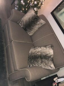 Like new GREY love seat and chair *retail 1700$*
