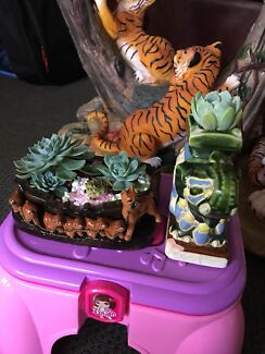 Succulents plants 🌱 in Elephant 🐘 and Puppies 🐶 pots( $15 each)