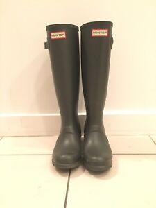 Nearly New Hunter Boots size 6