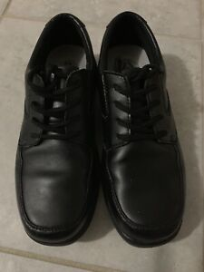 BOYS LEATHER HUSH PUPPIES DRESS SHOES!