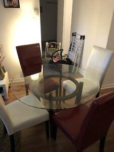 Table de cuisine et chaise