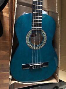Guitar classique Stagg 1/2 bleu junior