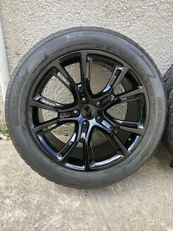 """4X Jeep Grand Cherokee SRT 20"""" wheels and excellent tyres"""