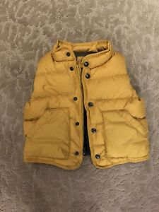 New GAP gorgeous puffer vest