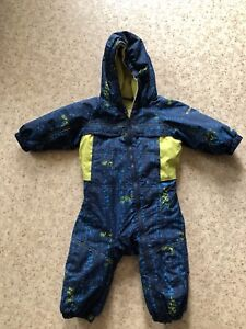 Columbia snowsuit .!!