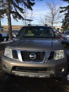 2008 Nissan Pathfinder fully loaded le