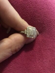10 Karat yellow diamond ring