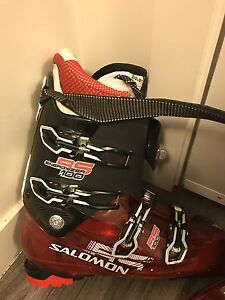 Salomon Ski boots 30.0 ONLY 175$