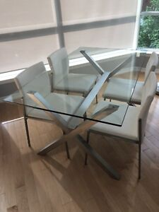 Casalife Glass Dining Room/Kitchen Table and Chairs