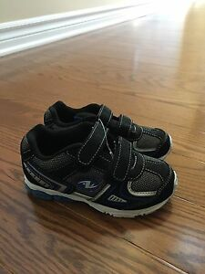 Brand new boys shoes (size 9)