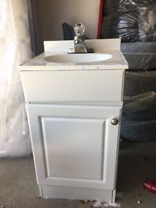 """19"""" Vanity set - includes everything"""