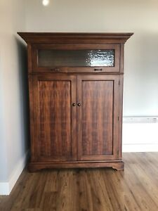 Solid Wood Entertainment Unit!!