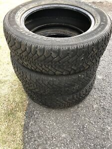 3 Winter/hiver Tires 225/60 R17. 130$