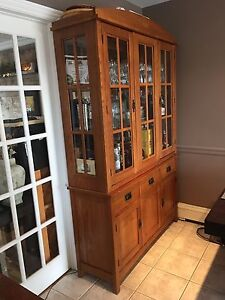Bassett Hutch cabinet for sale