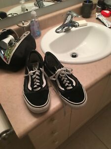 Mens vans old skool shoes size 10 1/2