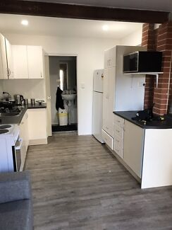 extra large bedroom, with separate kitchen dining, Close to university