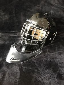 YOUTH goalie Mask and skates