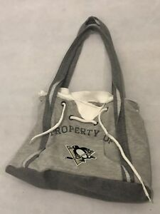 Penguins purse