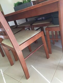 Dining Table 25000 Negotiable Port Macquarie