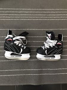 Size 11 youth skates in excellent shape