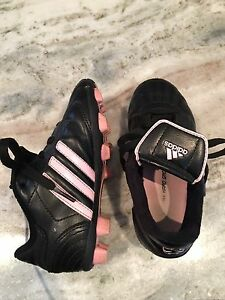 Adidas 11Y soccer shoes