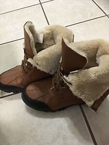 Ladies size 9 winter boots