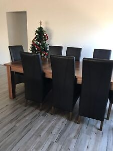 Dining room table Champion Lakes Armadale Area Preview