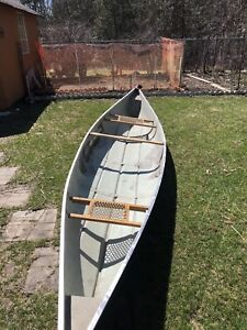 18 foot Fibreglass canoe