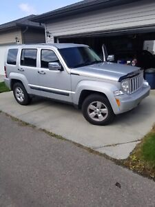 2011 Jeep Liberty - great condition