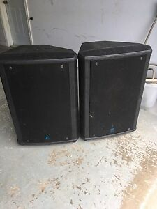 2 yorkville nx750p and E1152 cabinet