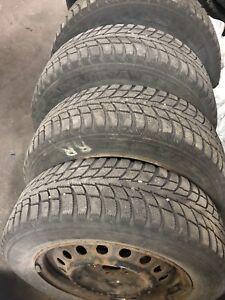 4 pneus d'hiver 185-65-15 avec 4 rims 5x100