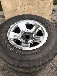 Toyo Open Country P265/70R17