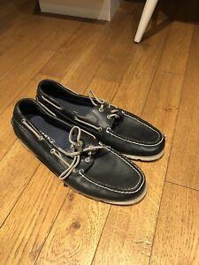 Size 12 navy sperrys